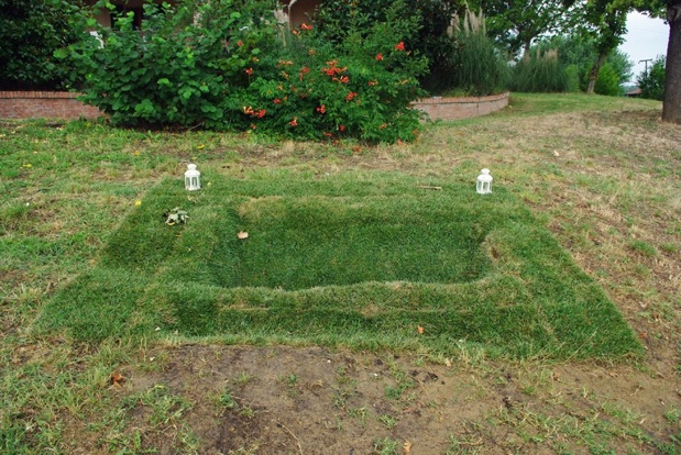 Infinity Site-specific land Installation. Curated by Annalisa Cattani. Novella Guerra Residency, Imola, Italia. 20 July 2014