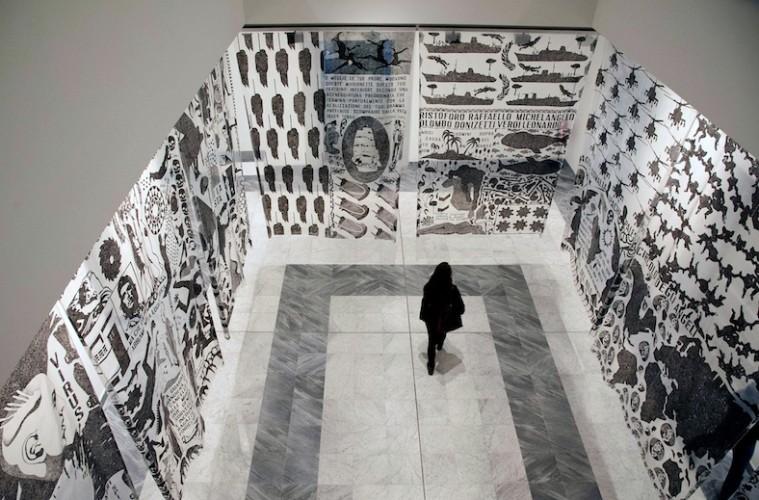 """Felice Levini, """"Apache"""",1994-95, vernice serigraficasu plastica, Palazzo del Governatore - PR, mostra """"Caratteri"""", (foto di G. Amoretti)"""