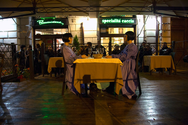 Mostra Μύθοι. Myths. Students/Artists/Teachers. A process of exchange Fondazione Pastificio Cerere, Roma, dicembre 2014 Performance di Zuzanna Golińska e Magdalena Łazarczyk, Last supper