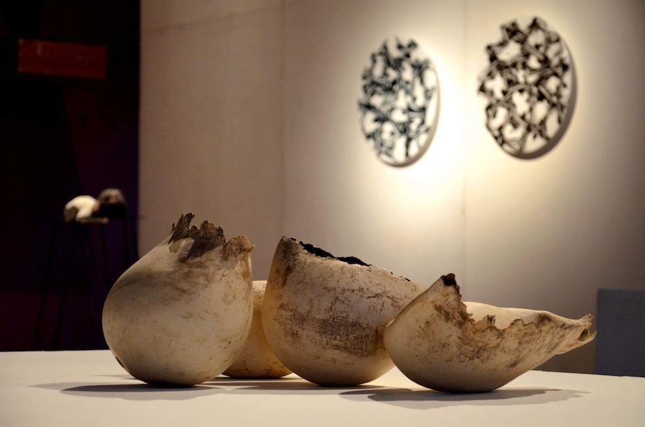 Popolare La guerra dei mondi? La ceramica e l'arte contemporanea secondo  YM94