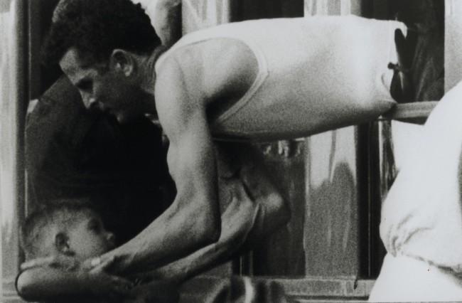 Carlo Orsi, Il treno del Sud, 1964/2004, stampa lambda su carta politenata, 100x150 cm, ed. 1/3 Courtesy Archivio Carlo Orsi / Ca' di Fra', Milano