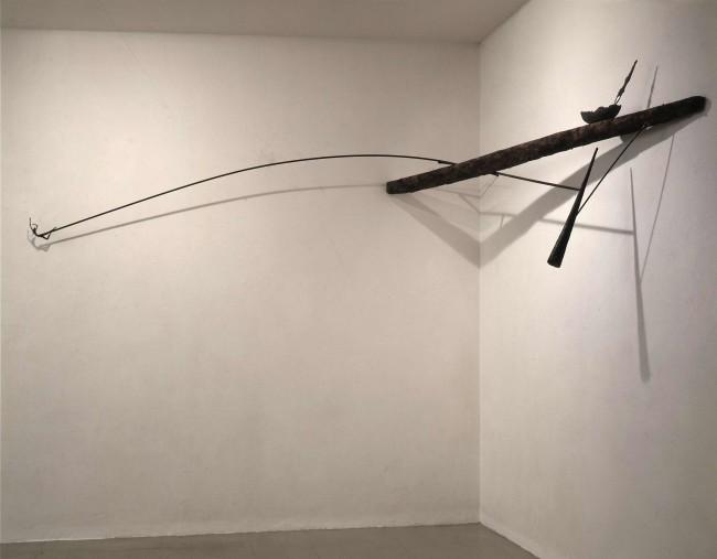 Giuseppe Maraniello, Doni, 1987, legno e bronzo, 95x331x304 cm Courtesy Fondazione Marconi
