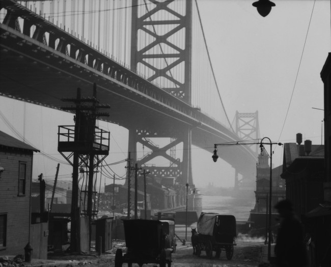 Emil Otto Hoppé, Delaware Bridge, Philadelphia, Pennsylvania, 1926, USA, vintage gelatin silver print © E.O. Hoppé Estate Collection / Curatorial Assistance