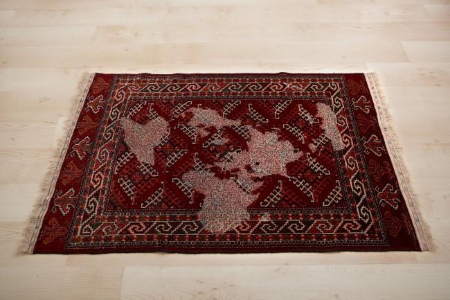Mona Hatoum, Bukhara (multicoloured), 2008, lana e cotone, 106x162 cm Courtesy: Collezione Barillari, Roma Photo by: Ela Bialkowska