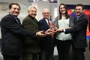 Premio Gruppo Euromobil under 30 2014, vincitrice Nazzarena Poli Maramotti, i fratelli Lucchetta con Duccio Campagnoli e la vincitrice Foto Nucci/Benvenuti