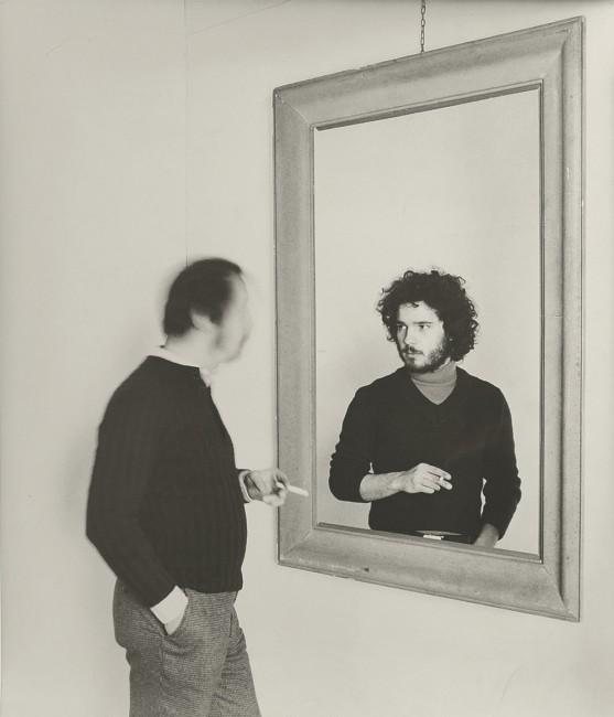 Giorgio Ciam, Allo specchio, 1977, fotografia b/n, 59 x 50 cm  Collezione privata, Varese