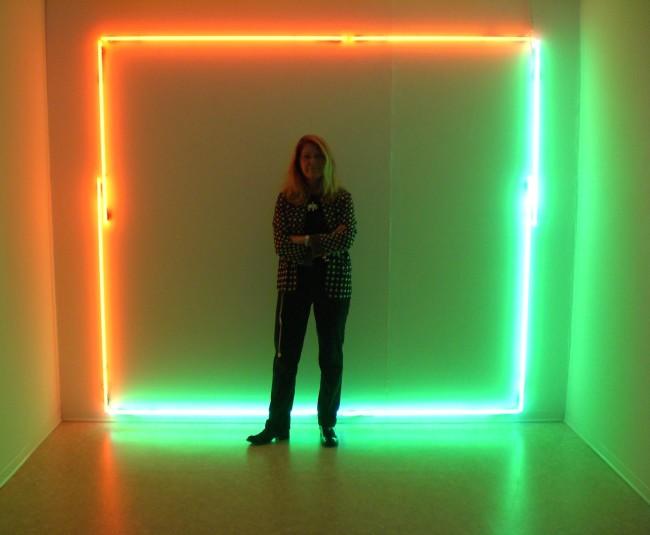 Manuela Bedeschi, Rettangolo arancioverde, 2008, tubi al neon, 200x235 cm