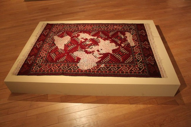 Too early too late. Middle east and modernity, Mona Hatoum