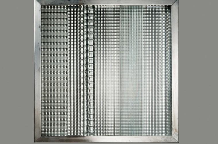 Nanda Vigo, Cronotopo, 1964, vetri stampati e alluminio, 60x60x5.5 cm Courtesy Archivio Nanda Vigo, Milano / Ca' di Fra', Milano