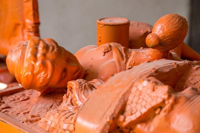 Vincenzo Rusciano, Sponda, 2014, jesmonite, legno, ferro, tela, resina, vernice, 260x260x125 cm Foto Danilo Donzelli (particolare)