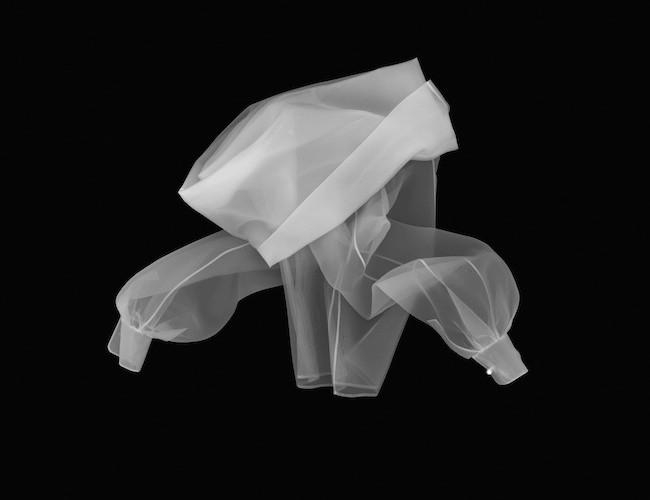 Gianfranco Ferré, Foto simulazione X-ray camicia CLASSIC GLAMOUR, F_W 1990, Foto L. Salvini