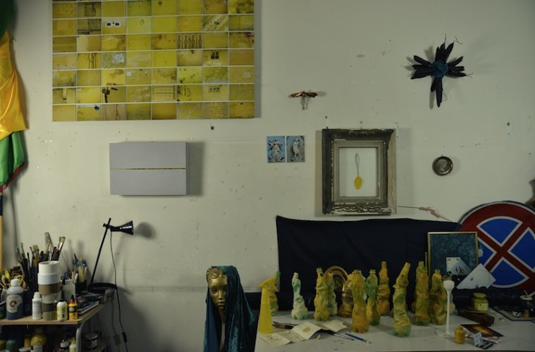 Maziar Mokhtari, Ceremony (Artist Studio), 2015, stampa lambda, 100x150 cm