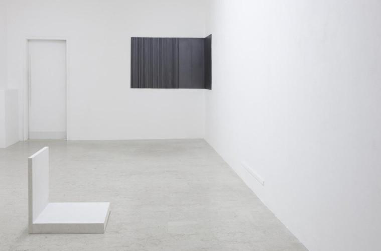 Stephanie Stein & Tobias Hoffknecht, O-ton, 2015, plexiglass, 170x120x40cm, courtesy A+B Brescia, photo Davide Sala