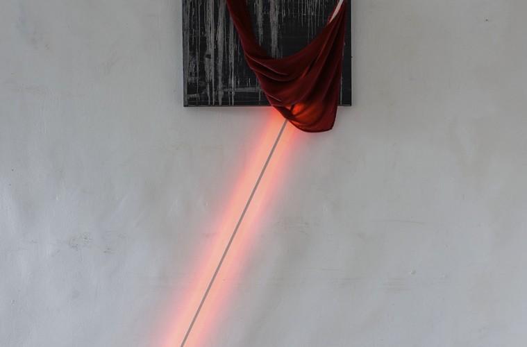Alessio Ancillai, Memoria di Te, 2015, olio su lino, vellute, led, 200x145 cm Foto Giorgio Benni