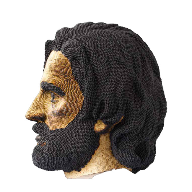 David Mach, Jesus Christ - 2011 - fiammiferi bruciati : burned match head - cm h 38 x w 28 x d 33