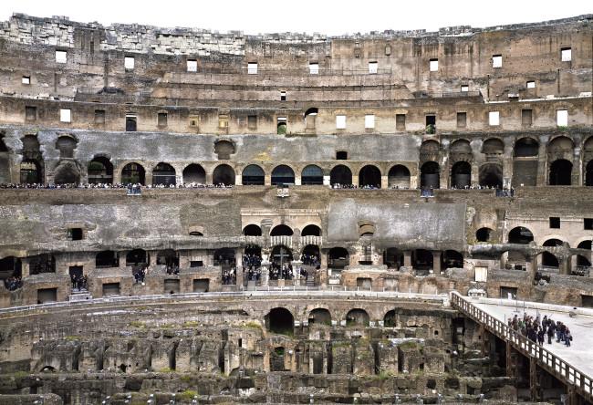 Camilla Borghese, ore 13.09 Colosseo, Courtesy Spazio Nuovo