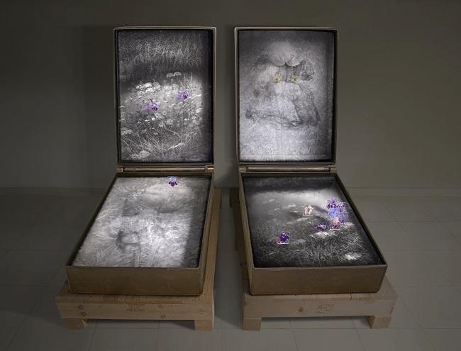 Lena Liv_La Legge della stella e la formula del fiore_116 x 160 x 111_cast iron, drawing, image on glass, painting