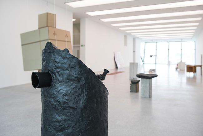 Hilario Isola, Matteo Norzi, Elsewhere, 2008/2015, telescopio, treppiede, plastilina. Collezione Museion. Foto Luca Meneghel