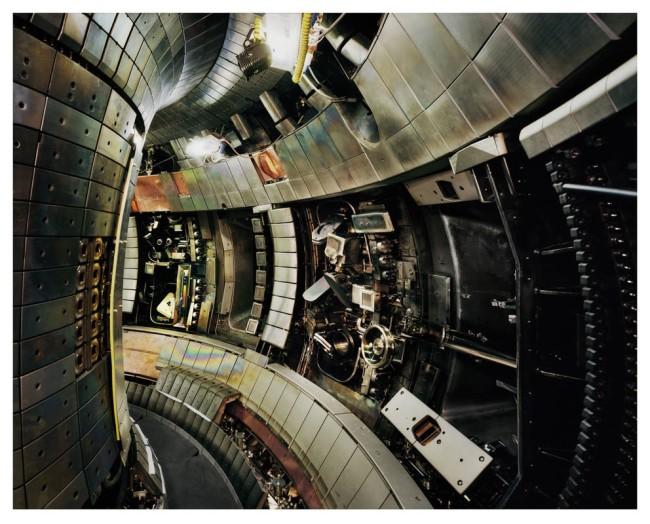 Thomas Struth, Tokamak Asdex Upgrade Interior 2, Max Planck IPP, Garching, 2009/2011, Interno del Tokamak Asdex Upgrade 2, Istituto Max Planck di Fisica del Plasma C-print © Thomas Struth