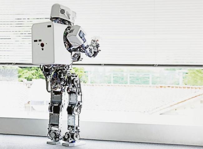 Vincent Fournier, Kobian Robot #1 (Takanishi Laboratory), Waseda University, Tokyo, Japan, 2010/2013, Robot Kobian #1 (Laboratorio di Takanishi), Università Waseda, Tokyo, Giappone, C-print, 133x103 cm © Vincent Fournier