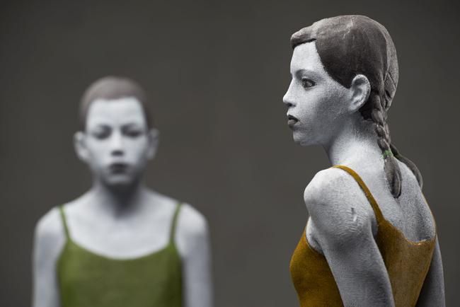 Bruno Walpoth, Nadia e Valentina, 2015, MDF, cm 167x17x12 (Nadia) e cm 167x17x14 (Valentina)_foto Egon Dejori