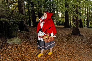 © Dina Goldstein, Red Riding Hood