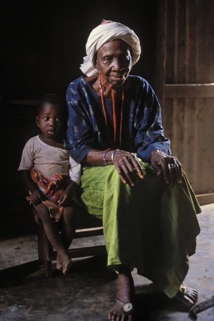 Doyenne des initiées Photo credit: Musée d'ethnographie de Geneve