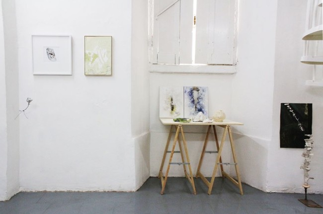 L'esprit de l'escalier, veduta d'insieme con le opere di Kensuke Koike, Rachele Maistrello, Tiziano Martini, Laura Santamaria, Lorenza Boisi, Andrea Grotto
