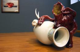 Arianna Carossa, Red elephant broken, 40x28x 25 cm, ceramic 2015, courtesy dell'artista
