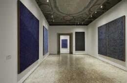 Installation View, Dansaekhwa, 2015 Photo by Fabrice Seixas Image Provided by Kukje Gallery
