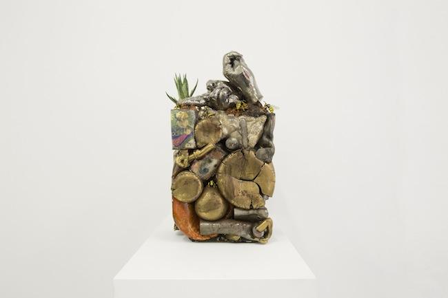 Bertozzi&Casoni, Tu, ceramica policroma, cm 57,5x27x2, 2011, courtesy Galleria Bonelli
