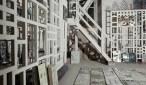 Studio de Fausto Melotti avec des étagères dessinées par Ettore Sottsass Via Leopardi 26, Milan, ca 1959-60 Photo : Fondazione Fausto Melotti © Fondazione Fausto Melotti