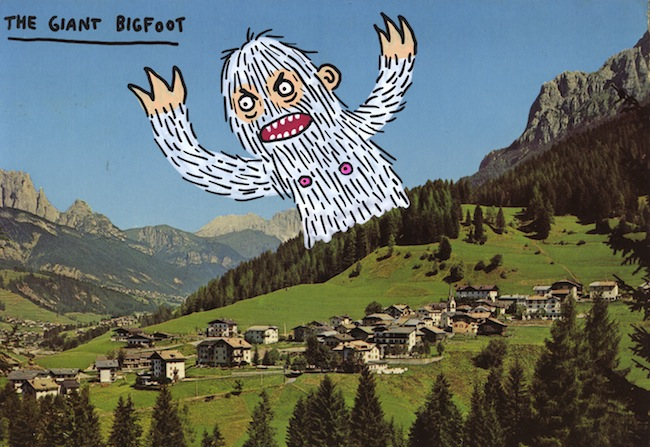 The Giant Bigfoot, 2015, cartolina vintage rivisitata, cm 10x15. Courtesy Studio d'Arte Raffaelli. Foto: Giuliano Panaroni