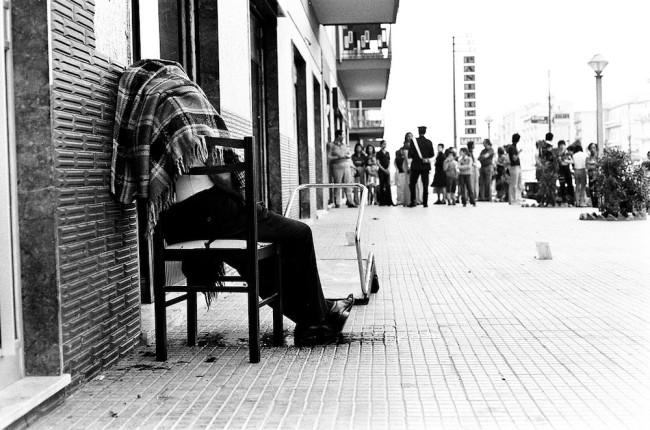 Letizia Battaglia, Omicidio sulla sedia, Palermo 1975 © Letizia Battaglia