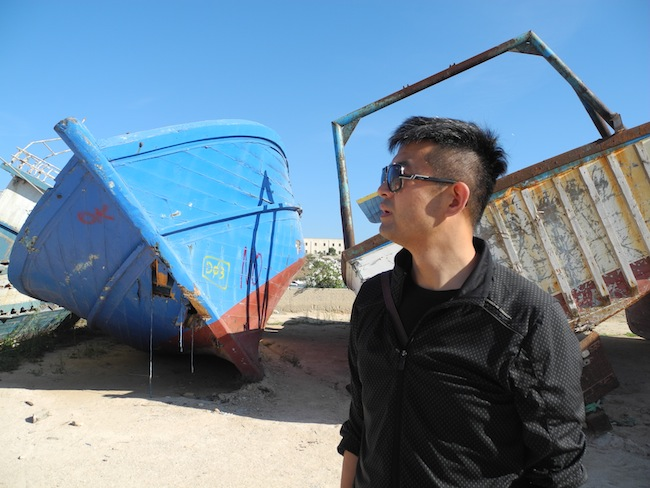 Backstage del progetto Target 2015 di Liu Bolin a Lampedusa. Courtesy Boxart, Verona