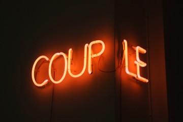 Collectif Indigène, Couple, 2015, neon