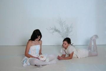 Larissa Kramer e Corinne Yeon Stoll, Untitled, 2005, fotografia su legno, 30,5 x 40,5 cm, ed. 1/3, PhotoArtVerona - La regina dei Caraibi, Courtesy Giovanni Milesi