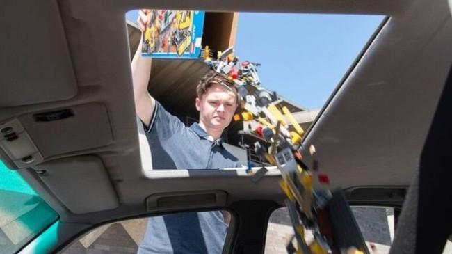 National Gallery of Victoria (NGV), l'auto per la raccolta dei mattoncini LEGO. © NGV Photographic Services