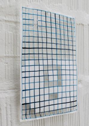 Barbara Prenk, Blue night behind the grid, 2014, acrilico su carta tagliata, 21 x 29,7 cm Courtesy dell'artista e Galleria Massimodeluca, Mestre