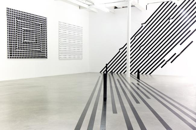 Exhibition view Esther Stocker 2015, Copyright Takeshi Sugiura, Courtesy Galerie Alberta Pane