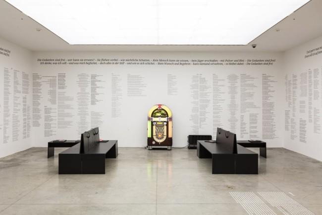 Susan Hiller, Die Gedanken sind frei (Thoughts Are Free), 2011-2012, Materiali vari, dimensioni variabili