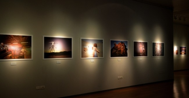 Joe McNally. A life on Assignment, veduta della mostra, Museo Civico, Bassano del Grappa (VI)