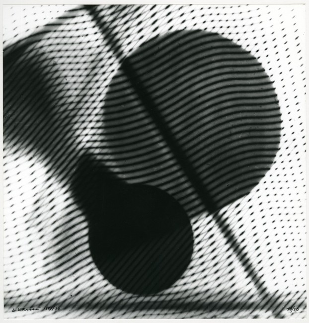 Luigi Veronesi, Fotografia, 1937-1974 (1951), stampa fotografica in bianco e nero, gelatina bromuro d'argento su carta, 38.2×29.2 cm CSAC – Università degli Studi di Parma