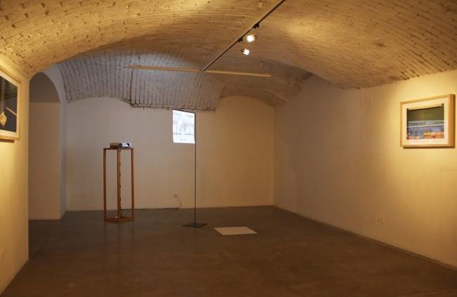 Veduta della mostra, Massinissa Selmani, la parade, 2010, CARTE BLANCHE. Giovani Artisti Dal Nord Africa a cura di Silvia Cirelli  22 ottobre 2015 - 6 gennaio 2016  Galleria Officine dell'Immagine, Milano