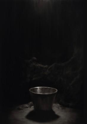 Ettore Frani, Catino, 2015, olio su tavola laccata, cm 100x70 courtesy L'Ariete artecontemporanea, Bologna