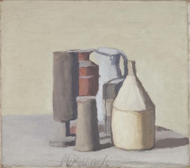 Giorgio Morandi, Natura Morta, 1948 (V.630), olio su tela, 36x41cm, Istituzione Bologna Musei | Museo Morandi, Bologna