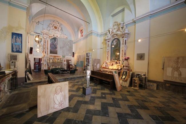 Ex chiesa di San Rocco a Verduno (CN), studio e atelier di Valerio Berruti. Foto Stefania Spadoni