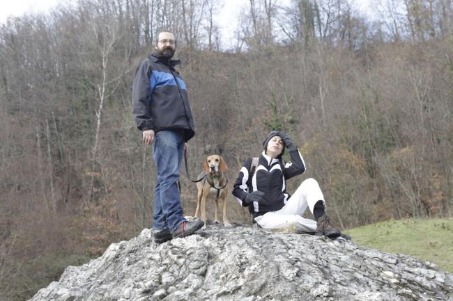 Giovanni Cervi, Nila Shabnam Bonetti insieme al loro cane Rocky e/o Rocco. Foto: Giulio Crosara