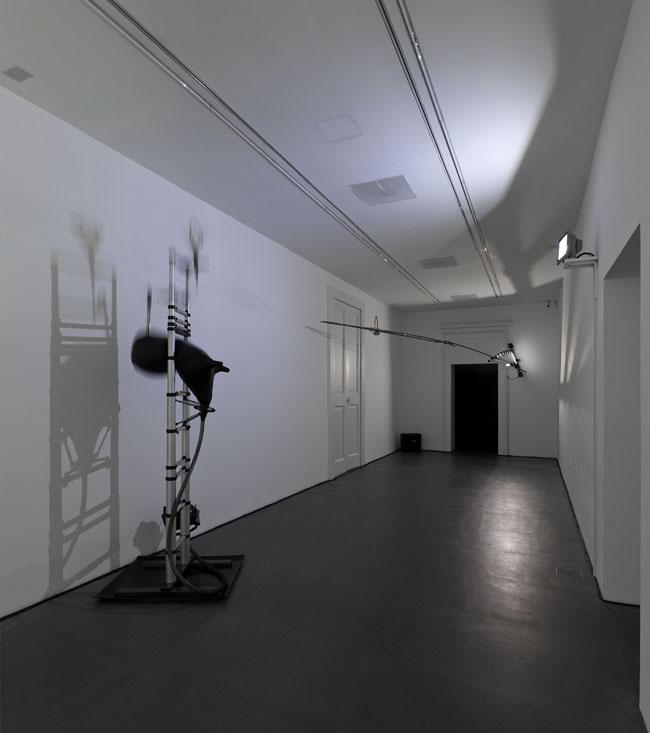 Gilberto Zorio. 2015, Napoli, veduta della mostra (prima stanza), Lia Rumma, Napoli