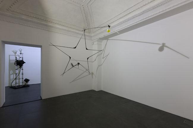 Gilberto Zorio. 2015, Napoli, veduta della mostra (seconda stanza), Lia Rumma, Napoli